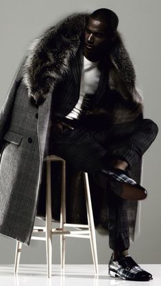 Shoe shoes scarpe bags bag fashion chic luxury street style The post Double checking appeared first on Fashion Chic. Fur Fashion, Look Fashion, Womens Fashion, Fashion Trends, Sharp Dressed Man, Well Dressed Men, Coat Dress, Men Dress, Photography Tattoo