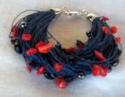 Pulsera de lino azul coral rojo cristal checo azul y negro - artesanum com