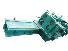 #ChoppingSnapShear   The #snapshear is fixed behind the #trackswitch, and is used to chop the rolled piece cut off by the #flyingshear before falling into the offcut collector when some failure occurred to the #rollingmill.