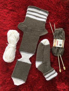 Two Needle Socks – Free Knitting Pattern – stricken – Free Knitting needle P… - Knitting Bordado - Her Crochet Diy Crafts Knitting, Easy Knitting, Loom Knitting, Knitting Stitches, Knitting Socks, Knitting Projects, Baby Knitting Patterns, Knitting Designs, Knitted Slippers