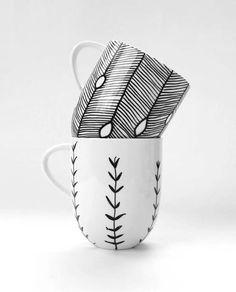 Не перестаю любоваться такой посудой... Вроде бы всё минималистично и просто, но эффектно!