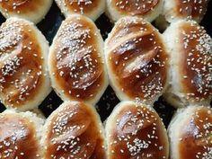 """Pancitos """"Súper esponjosos"""" Receta de Norali - Cookpad Mexican Sweet Breads, Churros, Pretzel Bites, Doughnut, Hamburger, Recipies, Desserts, Bread Art, Molde"""