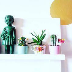 kristakletst on Instagram: Alles weer even opnieuw stylen... omdat het kan. #styling #interiorstyling #cactus #cacti #succulents #shelfie #doll #plasticdoll #vintage