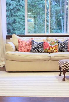 lovesome: envelope pillow tutorial