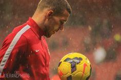 Podolski Warms Up Before Match vs Cardiff 2013-2014.