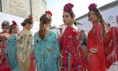 mantoncillos impresos pol nuñez Spanish Dress Flamenco, Spanish Party, Flamenco Costume, Bull Tattoos, Andalusia, Dress Codes, Timeless Fashion, Editorial Fashion, Images