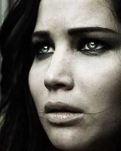 Jenifer Lawrence( I reaalllllllyyyyy want to see the movie catching fire)