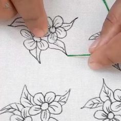 Diy Embroidery Patterns, Hand Embroidery Videos, Embroidery Stitches Tutorial, Embroidery Flowers Pattern, Embroidery On Clothes, Hand Embroidery Projects, Embroidery Kits, Hand Applique, Sewing Crafts