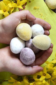 Homemade aquafaba Easter eggs (hard outside coating)