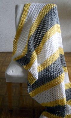 La couverture au crochet pour votre ancien canapé !                                                                                                                                                                                 Plus