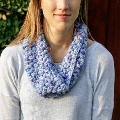 Simple crocheted puff stitch pattern creates this cozy and beautiful cowl. free.