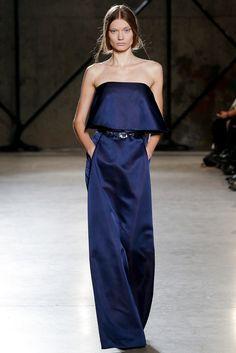 La robe plongeante du défilé Cushnie et Ochs à New York