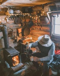 The Effective Pictures We Offer You About cozy Hunting Cabin A quality picture can tell you many thi Tiny House Cabin, Cabin Homes, Log Homes, Hunting Cabin, Hunting Art, Cabins And Cottages, Log Cabins, Rustic Cottage, Mountain Man