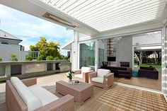 Herne Bay Villa by Jessop Architects, lamellen dak.