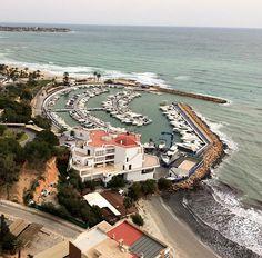 Buen jueves #Alifornia! Hoy tenemos una bonita foto del puerto deportivo de La dehesa de Campoamor, #Orihuela. #Alicante #CostaBlanca   @apedroso74