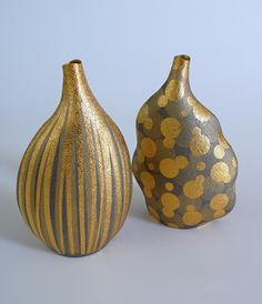 Two gold-plated vases - Hiroki Iwata.