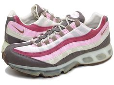 I need a good running shoe and I have an intense desire for a pair of sweeet nike kicks! as usual, a pair of Nike's Shoes for Cheap im in love with and I can't find them. Pink Nike Shoes, Pink Nikes, Nike Shoes Cheap, Cheap Nike, Air Max Sneakers, Sneakers Nike, Cool Nikes, Wholesale Nike Shoes, Nike Kicks