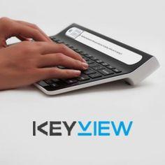 KeyView : Dov Moran, l'homme derrière la clef USB a présenté ce matin sa dernière innovation, un clavier d'ordinateur, appelé KeyView, muni d'un petit écran permettant de voir ce que l'on tape sans lever les yeux sur son écran d'ordinateur.