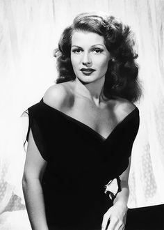 Rita Hayworth, 1943.