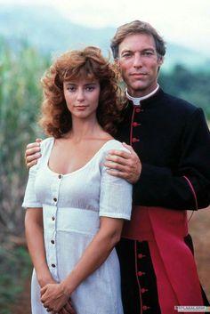 Quem aqui lembra da série Pássaros Feridos (1983)? Na foto, Rachel Ward e Richard Chamberlain. Curta Cinema Clássico