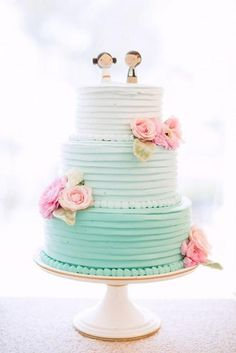 Aqua ombre buttercream wedding cake with pink sugar flowers - Deer Pearl Flowers Pastel Wedding Cakes, Creative Wedding Cakes, Aqua Wedding, Beautiful Wedding Cakes, Beautiful Cakes, Diy Wedding, Pastel Cakes, Cake Wedding, Spring Wedding