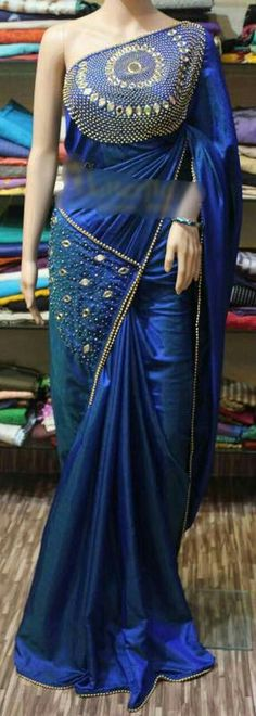 Yengadi blouse kanom only . Saree Blouse Patterns, Designer Blouse Patterns, Saree Blouse Designs, Designer Dresses, Trendy Sarees, Fancy Sarees, Party Wear Sarees, Stylish Sarees, Indian Dresses