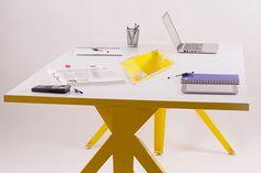 El mobiliario escolar se ha convertido en uno de los factores determinantes al momento de elegir una universidad o preparatoria donde estudiar. En México, existen pocas opciones de mercado y la mayoría de estos muebles no son los adecuados para la antropo…