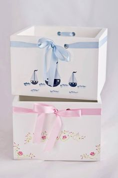 Petit Monde Baby Nursery Decor, Baby Decor, Paint Furniture, Kids Furniture, Crafts For Boys, Diy And Crafts, Baby Shawer, Kids Room Art, Party In A Box