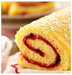 This traditional Jam Filled Swiss Roll Recipe is delightfully yummy and perfect with a hot cup of tea. Food Cakes, Fraisier Recipe, Sin Gluten, Biscuits, Cake Recipes, Dessert Recipes, Sweet Recipes, South African Recipes, Köstliche Desserts