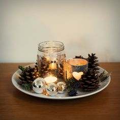 made from a jar, pineapples and ornaments Winter Christmas, Pineapple, Jar, Seasons, Table Decorations, Ornaments, Furniture, Home Decor, Pinecone