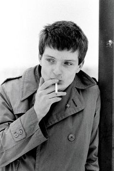Ian Curtis phrases to meet the unknown pleasures. With a captivating, leading personality of Joy Division, demonstrated not only talent, but also passion.