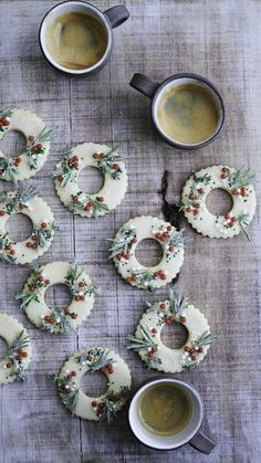 Almost too pretty to eat, these festive wreath-shaped shortbread cookies are infused with Meyer lemon and adorned with sugared rosemary and . Christmas Cooking, Christmas Desserts, Christmas Treats, Xmas Cookies, Sugar Cookies, Chocolate Caliente, Shortbread Cookies, Biscotti Cookies, Biscotti Recipe