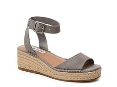 Love these in tan or a taupe color!
