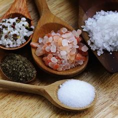 Taking a long relaxing bath can be something spectacular with the addition of bath salts. We look at making our own DIY lavender bath salts.