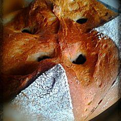 Pan campestre con aceitunas negras