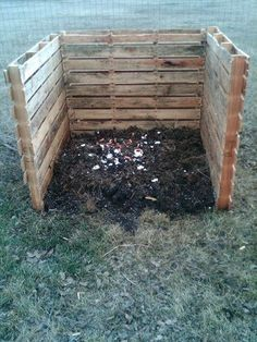 DIY Pallet Ideas | DIY Recycled Pallets Ideas / Pallet Compost Bin....my 1st pallet ...