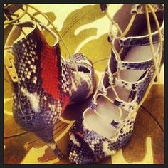 zara lace up leather ankle boot heeled sandals snake skin multicolor blue white red osochic