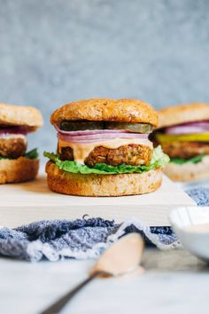 Classic Lentil Burgers- made with wholesome ingredients, these veggie burgers have a classic flavor that pairs well with any toppings. Each burger packs of the RDI for iron and 12 grams of protein! (vegetarian with vegan and gluten-free option) Lentil Burgers, Vegan Burgers, Burger Recipes, Vegan Recipes, Cooking Recipes, Gluten Free Bread Crumbs, Plant Based Burgers, Dried Lentils, Cooking With Olive Oil