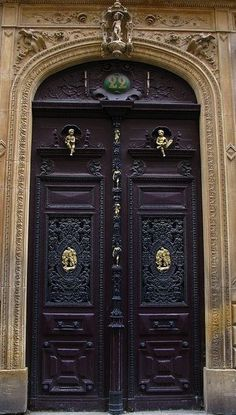 Super Beautiful Old Door Puertas Ideas Cool Doors, Unique Doors, Entrance Doors, Doorway, Front Doors, Door Knockers, Door Knobs, Doors Galore, Vintage Doors