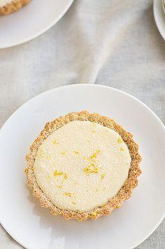 Lemon macaroon tarts using a coconut crust #glutenfree