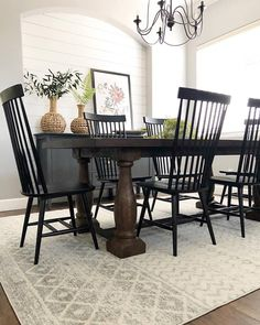 Dining Room Concepts Look at this refreshing farmhouse Dining Room - what a creative style Dining Room Design, Dining Room Table, Kitchen Dining, Dining Furniture, Dining Area, Chinoiserie, Farmhouse Table, Farmhouse Decor, French Farmhouse