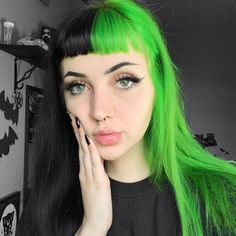 Discover recipes, home ideas, style inspiration and other ideas to try. Goth Eyebrows, Short Eyebrows, How To Grow Eyebrows, Eyebrow Styles, New Haircuts, Freckles, Dyed Hair, Bangs, New Look