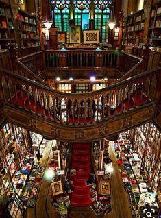 Beautiful Library, Dream Library, Library Books, House Beautiful, Future Library, Beautiful Stairs, Livraria Lello Porto, Home Libraries, Book Nooks