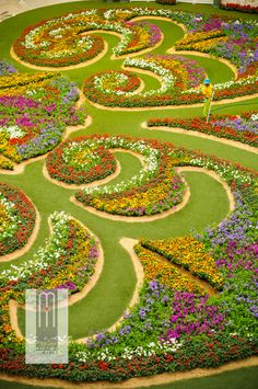 Unique Ideas Can Change Your Life: Contemporary Garden Landscaping Terraces white rose garden landscaping.Rock Garden Landscaping How To Build garden landscaping plans backyards. Most Beautiful Gardens, Beautiful Flowers Garden, Amazing Gardens, Beautiful Places, Topiary Garden, Garden Art, Garden Design, Landscape Plans, Landscape Design