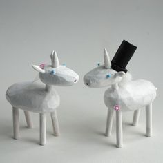 I wish I had seen this before my wedding. These would have joined the Smurfs as co-cake toppers.
