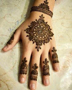 Henna Flower Designs, Indian Henna Designs, Mehndi Designs Book, Finger Henna Designs, Mehndi Designs For Girls, Mehndi Designs For Beginners, Modern Mehndi Designs, Mehndi Design Pictures, Mehndi Designs For Fingers