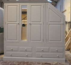 Wardrobes made to any size, to fit any gap