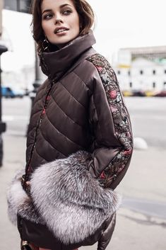 болоньевая куртка с мехом на карманах Fur Accessories, Denim And Lace, Padded Jacket, Fur Fashion, Fashion Dresses, Winter Outfits Women, Winter Coat, Dress Skirt, Winter Jackets