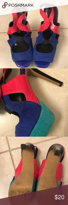 Jessica Simpson heels Two tone Jessica Simpson open toe heels. There are minor scratches on the shoe. It is a beautiful shoe❤️ Jessica Simpson Shoes Heels