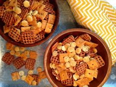 Enough with the Chex Mix! A homemade snack mix is a nice alternative to having bowls of pretzels, c Oyster Cracker Snack, Oyster Crackers, Chex Mix Recipes, Snack Recipes, Cooking Recipes, Yummy Recipes, Appetizer Recipes, Cooking Tips, Breakfast Recipes